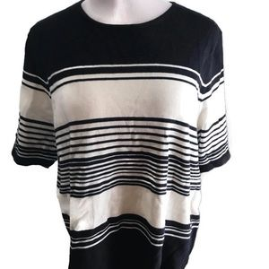 Casual Corner Short Sleeve Top 1X Black and White